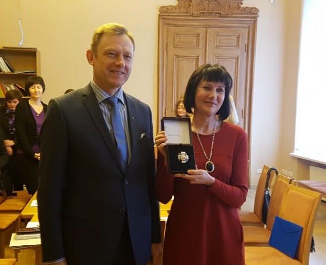LKBA pirmininkė dalyvavo įteikiant reikšmingą apdovanojimą
